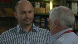 Steve Parker, Lou Carpenter in Neighbours Episode 5463