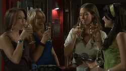 Libby Kennedy, Steph Scully, Sienna Cammeniti, Carmella Cammeniti in Neighbours Episode 5464