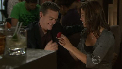 Paul Robinson, Rebecca Napier in Neighbours Episode 5465