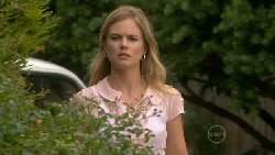 Elle Robinson in Neighbours Episode 5467