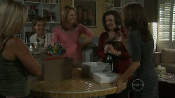 Steph Scully, Susan Kennedy, Miranda Parker, Lyn Scully, Rebecca Napier in Neighbours Episode 5468