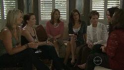 Steph Scully, Libby Kennedy, Miranda Parker, Rebecca Napier, Susan Kennedy, Carmella Cammeniti, Lyn Scully in Neighbours Episode 5468