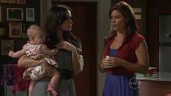 Chloe Cammeniti, Carmella Cammeniti, Rebecca Napier in Neighbours Episode 5471