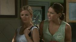 Elle Robinson, Sienna Cammeniti in Neighbours Episode 5474