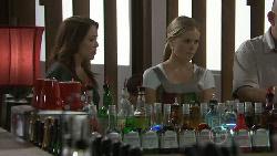 Libby Kennedy, Elle Robinson in Neighbours Episode 5476