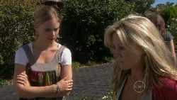 Elle Robinson, Samantha Fitzgerald in Neighbours Episode 5476