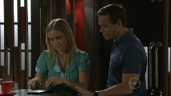 Elle Robinson, Paul Robinson in Neighbours Episode 5479
