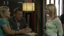 Elle Robinson, Oliver Barnes, Kirsten Gannon in Neighbours Episode 5479