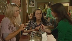 Donna Freedman, Sophie Ramsay, Kate Ramsay in Neighbours Episode 5966