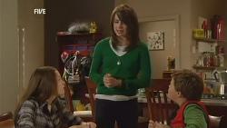 Sophie Ramsay, Kate Ramsay, Callum Jones in Neighbours Episode 5966