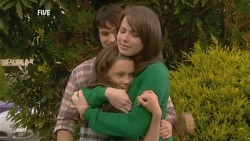 Declan Napier, Sophie Ramsay, Kate Ramsay in Neighbours Episode 5966