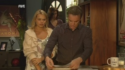 Donna Freedman, Rebecca Napier, Paul Robinson in Neighbours Episode 5967
