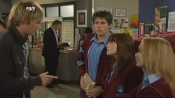 Andrew Robinson, Chris Pappas, Summer Hoyland, Natasha Williams in Neighbours Episode 5967