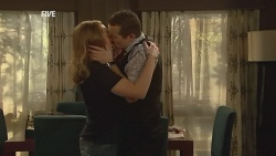 Sonya Mitchell, Toadie Rebecchi in Neighbours Episode 5994