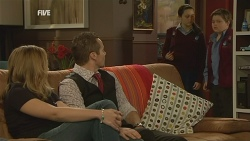 Sonya Mitchell, Toadie Rebecchi, Sophie Ramsay, Callum Jones in Neighbours Episode 5994