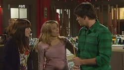 Summer Hoyland, Natasha Williams, Chris Pappas in Neighbours Episode 5995