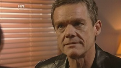 Paul Robinson in Neighbours Episode 5995