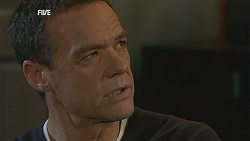 Paul Robinson in Neighbours Episode 5996