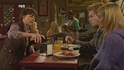 Prue Brown, Ringo Brown, Donna Freedman in Neighbours Episode 5997