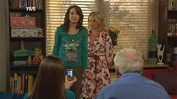 Summer Hoyland, Kate Ramsay, Donna Freedman, Lou Carpenter in Neighbours Episode 5997