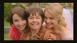 Kate Ramsay, Prue Brown, Donna Freedman in Neighbours Episode 5997
