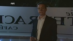 Paul Robinson in Neighbours Episode 5998