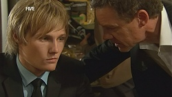 Andrew Robinson, Paul Robinson in Neighbours Episode 5998