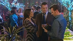 Libby Kennedy, Michael Williams, Lucas Fitzgerald in Neighbours Episode 5998