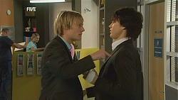 Andrew Robinson, Declan Napier in Neighbours Episode 6001