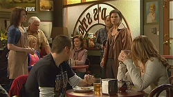 Kate Ramsay, Lou Carpenter, Toadie Rebecchi, Diana Marshall, Sonya Mitchell in Neighbours Episode 6002