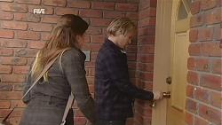 Martine Crossley, Andrew Robinson in Neighbours Episode 6004