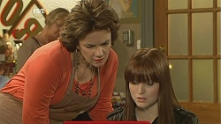 Lyn Scully, Summer Hoyland in Neighbours Episode 6004