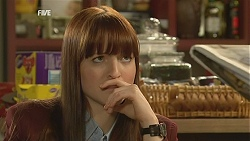 Summer Hoyland in Neighbours Episode 6004