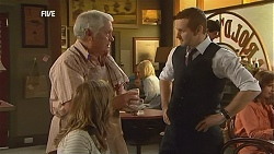Sonya Mitchell, Lou Carpenter, Toadie Rebecchi in Neighbours Episode 6005