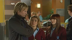 Andrew Robinson, Natasha Williams, Summer Hoyland in Neighbours Episode 6005