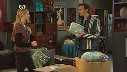 Donna Freedman, Lucas Fitzgerald in Neighbours Episode 6006