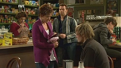 Lyn Scully, Susan Kennedy, Lucas Fitzgerald, Andrew Robinson in Neighbours Episode 6006