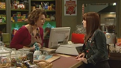 Lyn Scully, Summer Hoyland in Neighbours Episode 6006
