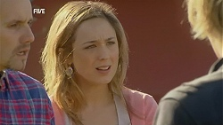 Toadie Rebecchi, Sonya Mitchell, Andrew Robinson in Neighbours Episode 6006