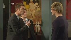 Mark Brennan, Andrew Robinson in Neighbours Episode 6008