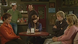 Susan Kennedy, Michael Williams, Lucas Fitzgerald, Summer Hoyland, Andrew Robinson, Natasha Williams in Neighbours Episode 6008