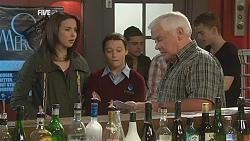 Kate Ramsay, Sophie Ramsay, Lou Carpenter in Neighbours Episode 6009