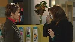 Susan Kennedy, Rebecca Napier in Neighbours Episode 6009