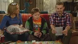Sonya Mitchell, Callum Jones, Toadie Rebecchi in Neighbours Episode 6010