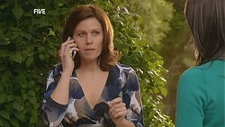 Rebecca Napier, Kate Ramsay in Neighbours Episode 6010