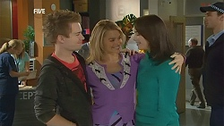 Ringo Brown, Donna Freedman, Kate Ramsay in Neighbours Episode 6010