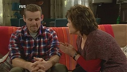 Toadie Rebecchi, Lyn Scully in Neighbours Episode 6012