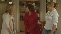 Sonya Mitchell, Lyn Scully, Steph Scully in Neighbours Episode 6012