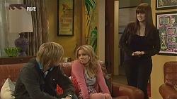 Andrew Robinson, Natasha Williams, Summer Hoyland in Neighbours Episode 6012