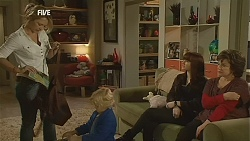 Steph Scully, Charlie Hoyland, Summer Hoyland, Lyn Scully in Neighbours Episode 6012